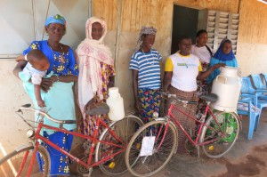 71 Deux vélos pour les femmes peuls (800x533)